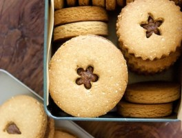 healthy-cookies-almond-quinoa